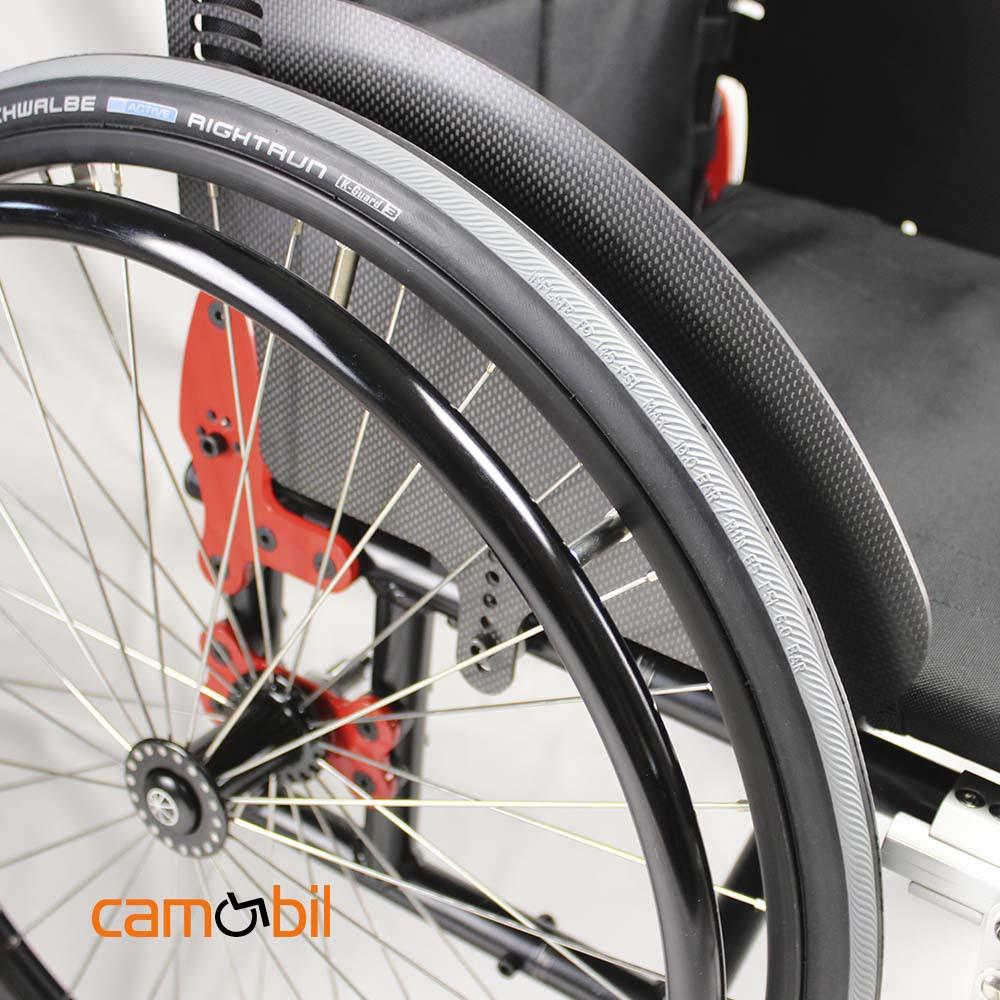 Rollstuhl angepasst